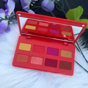 Artist couture caliente eyeshadow palette new